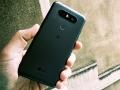 LG Q8: la recensione dello smartphone con ''doppio'' display
