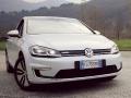 Volkswagen e-Golf, la tutta elettrica che ci mostra un po' di futuro